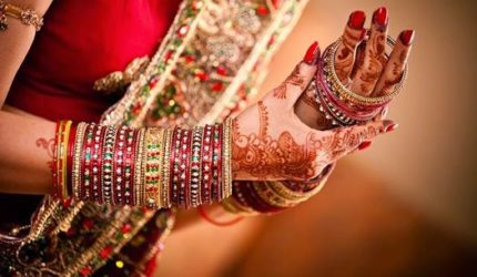 Why Indian women wear bangles, their scientific use, advantages